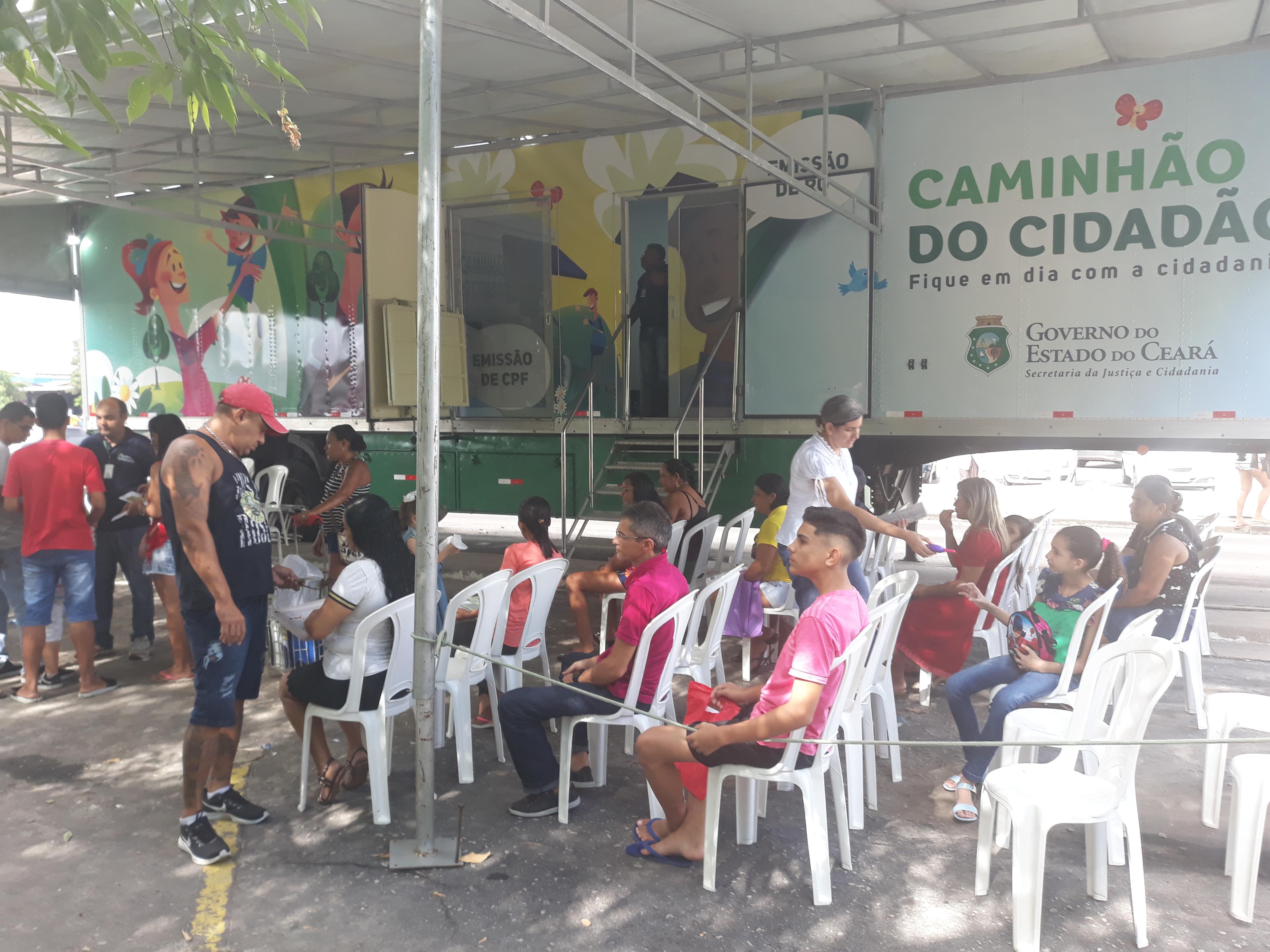 Caminhão do Cidadão emite 546 documentos na Ceasa-CE