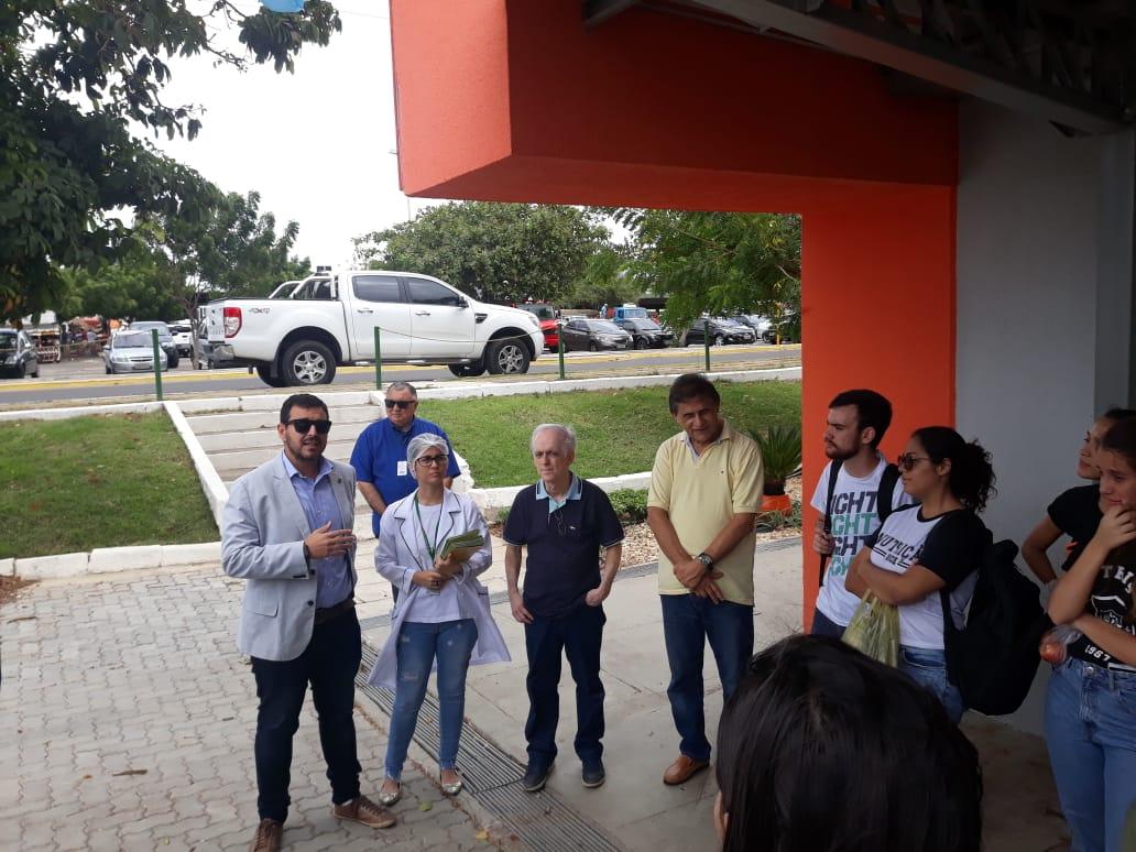 Mais Nutrição: alunos da UECE visitam fábrica na sede da Ceasa-CE