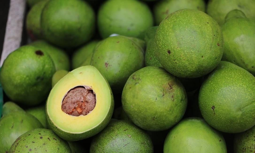 Frutas em grande quantidade garantem bons preços na Ceasa-CE