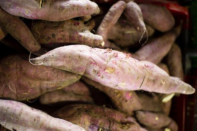 Mercado agrícola inicia semana com batata doce a R$ 1,80/kg